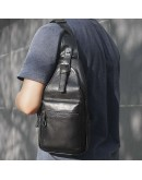 Фотография Черный кожаный мужской слинг на плечо 74012A
