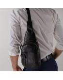 Фотография Кожаный слинг-рюкзак мужской черный M38-322A