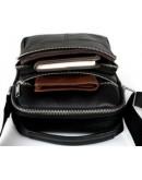 Фотография Небольшая мужская сумочка в руку и на плечо FR0100