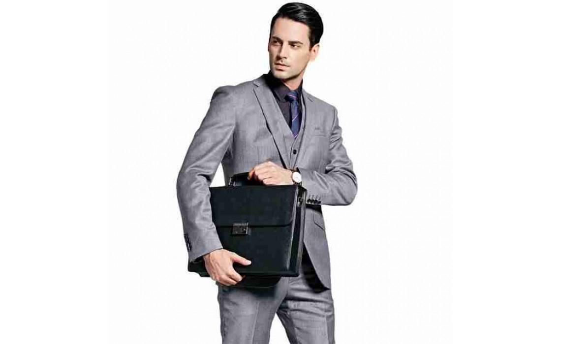Кожаный мужской портфель как стиль жизни.