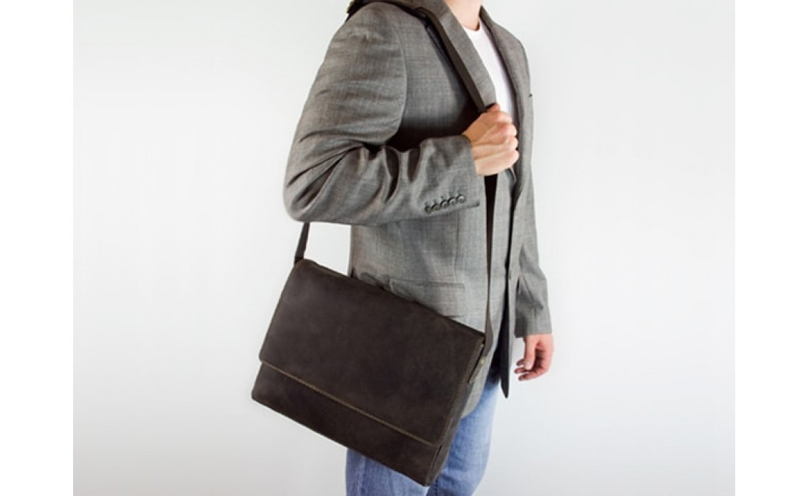 Как выбрать деловую мужскую сумку недорого