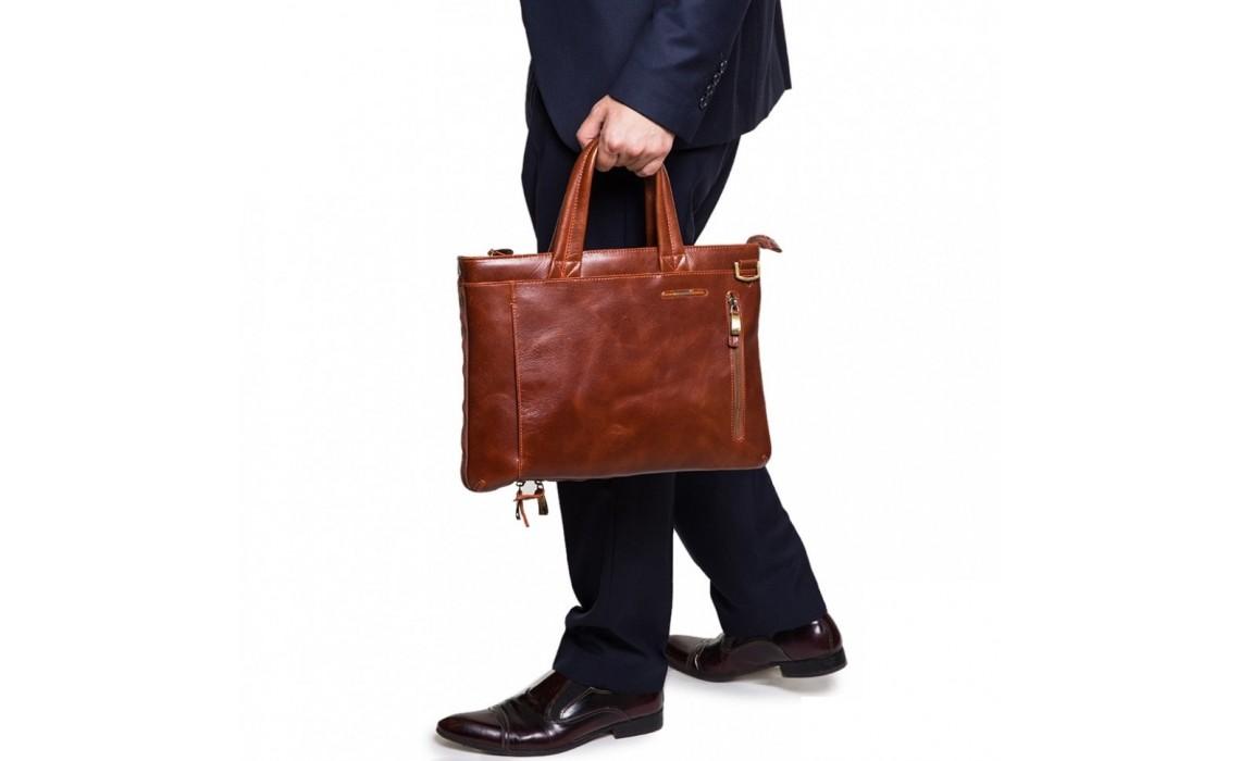 Как подобрать цвет мужской сумки