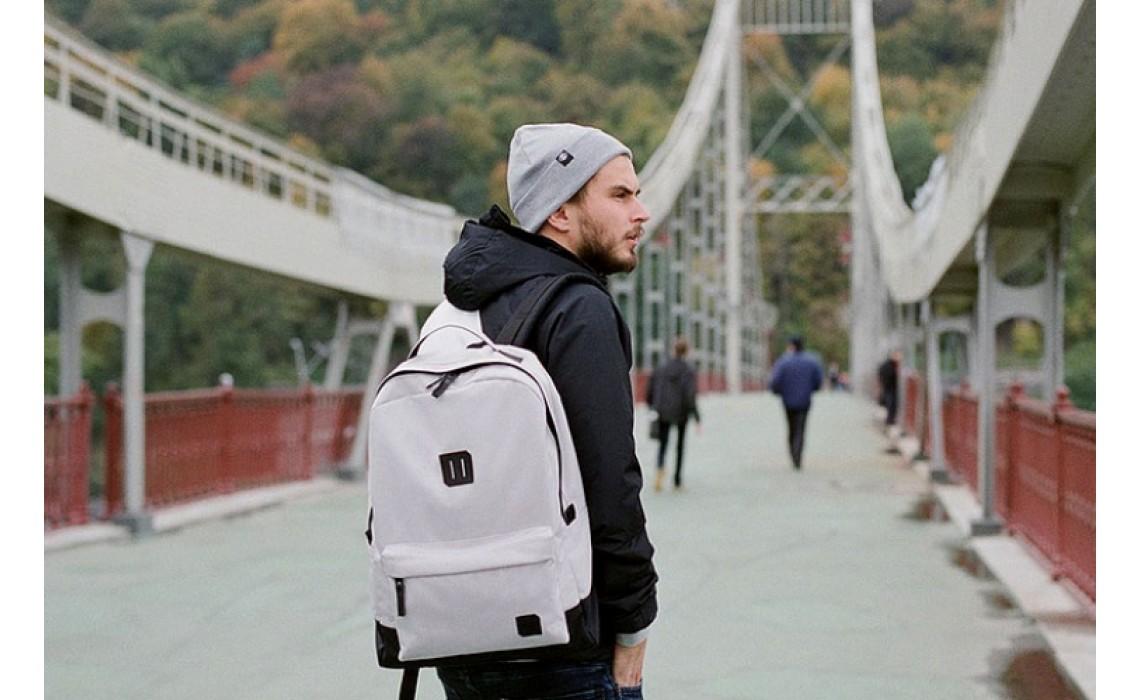 Как выбрать мужской рюкзак для планшета.