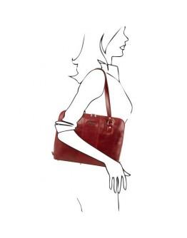 Красная фирменная женская вместительная сумка Tuscany Leather RAVENNA TL141795 red