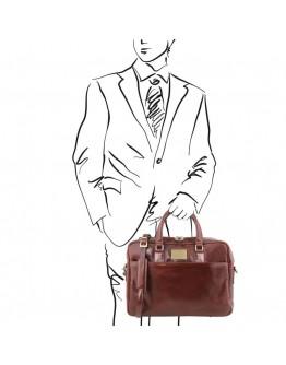Коричневая вместительная сумка - портфель Tuscany Leather Urbino TL141894