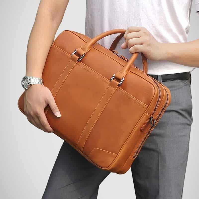 изображение мужской кожаной сумки для документов - кенгуру